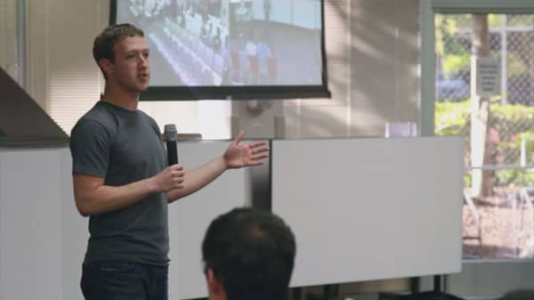 New policy to take control from Zuckerberg if he leaves Facebook