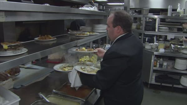 More restaurants adopting no-tip policy