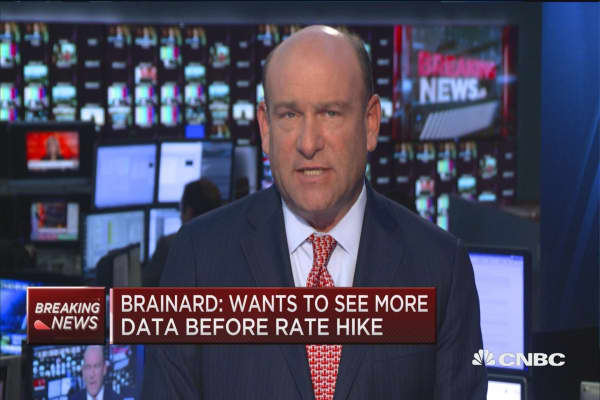 Brainard: Risk management suggests waiting to raise rates