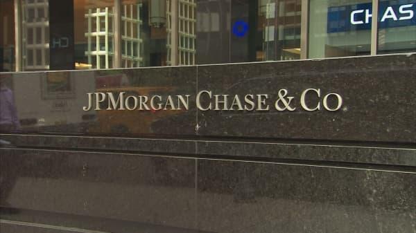 JPMorgan Chase adopts more relaxed dress code