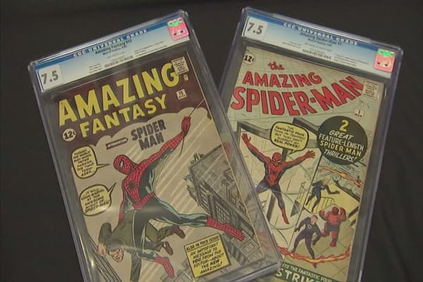 Print comic books still thriving alongside digital copies