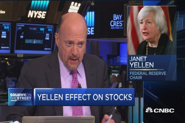 Cramer: Fed officials have egg on their face