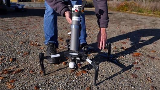 DroneVolt Spray Hornet being deployed.