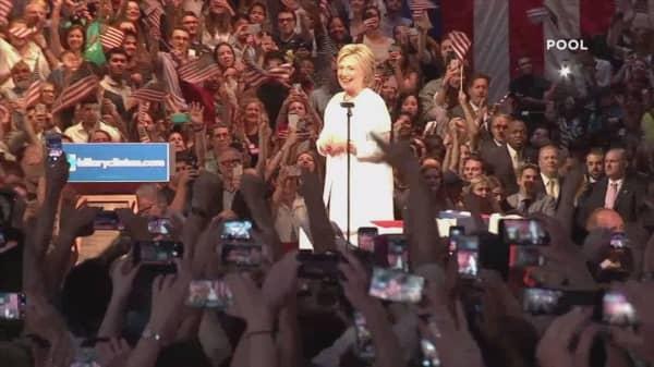 Obama congratulates Hillary Clinton