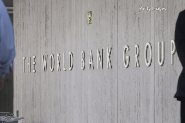 World Bank lowers global-growth outlook again