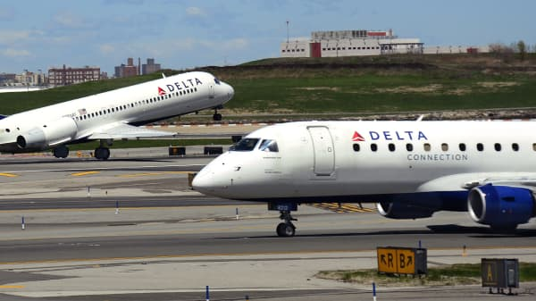 Delta Airlines and Delta Connection passenger aircraft