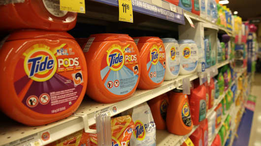 Procter & Gamble Tide detergent pods