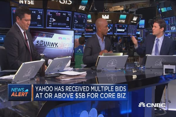 Yahoo receives multiple bids