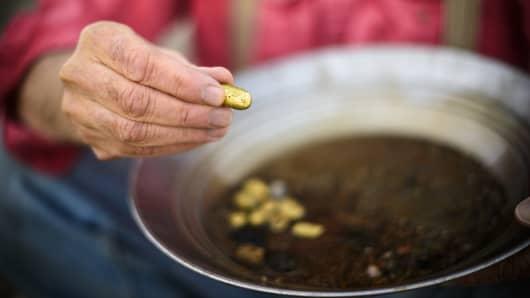 Gold miner, gold nugget