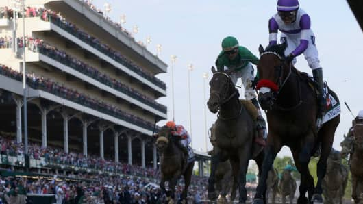 Horse race, first contenders, top picks