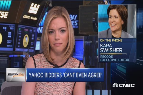 Swisher: Yahoo bidders can't even agree