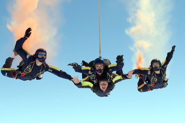 Skydiving, falling