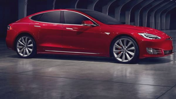 Tesla denies issues with Model S suspensions