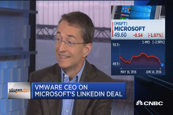 Didn't see LNKD-MSFT coming: VMware CEO