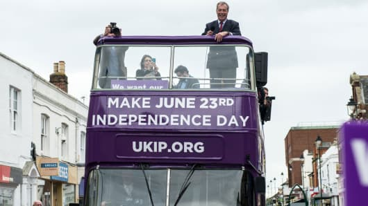 UK Independence Party leader Nigel Farage campaigns for Brexit in Sittingbourne on June 13, 2016.
