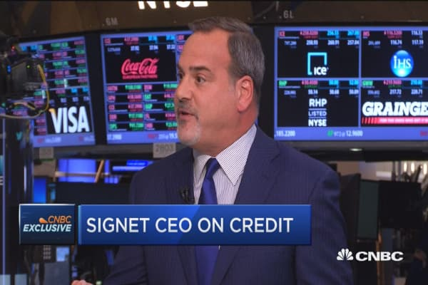 Signet CEO defends his jewelry company