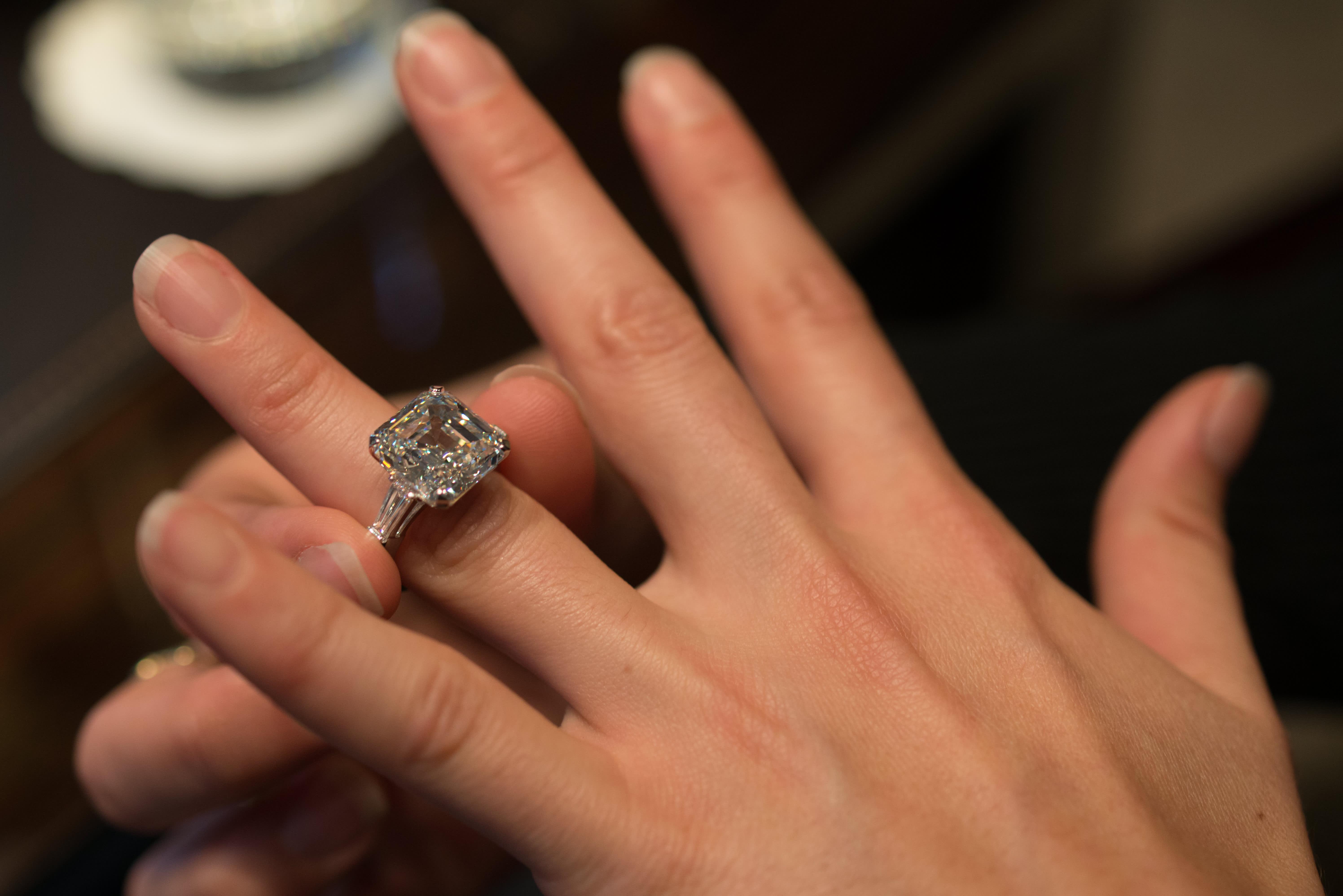 Blame millennials Diamond jewelry business in a rough spot