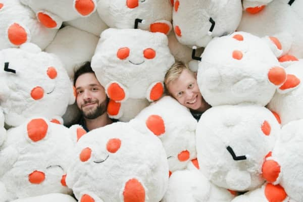 Reddit founders Alexis Ohanian (L) and Steve Huffman (R)