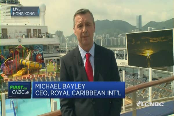 HK Ovation of the Seas