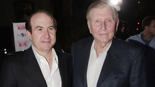 Viacom's Philippe Dauman (L) and Sumner Redstone arrive at the premiere of DreamWork's 'The Heartbreak Kid' at the Mann's Village Theater on September 27, 2007 in Los Angeles, California.