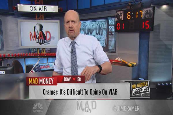Cramer: Viacom can't be valued