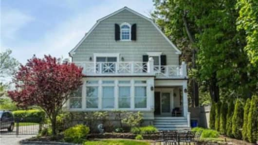 Amityville Horror House On Sale For 850 000