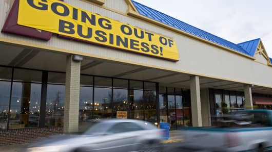 Store posts a 'Going Out of Business' sign