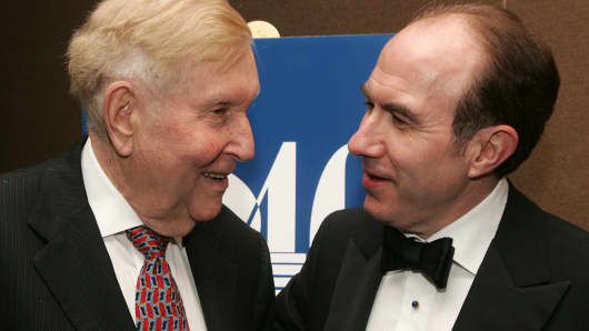 Viacom-Chairman Sumner Redstone (L) and Viacom CEO Philippe Dauman