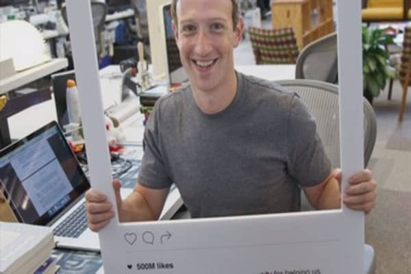 Mark Zuckerberg has a taped-up webcam