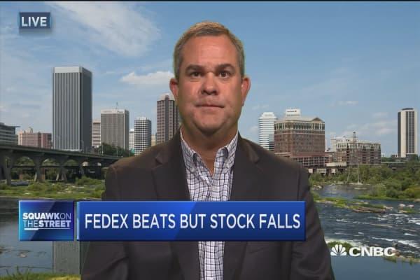 FedEx beats but stock falls