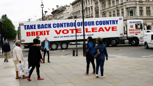 A truck is driven by Vote Leave supporters in London, June 21, 2016.