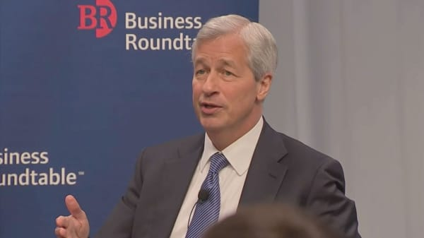 Jamie Dimon and JPMorgan executives issue company note on Brexit