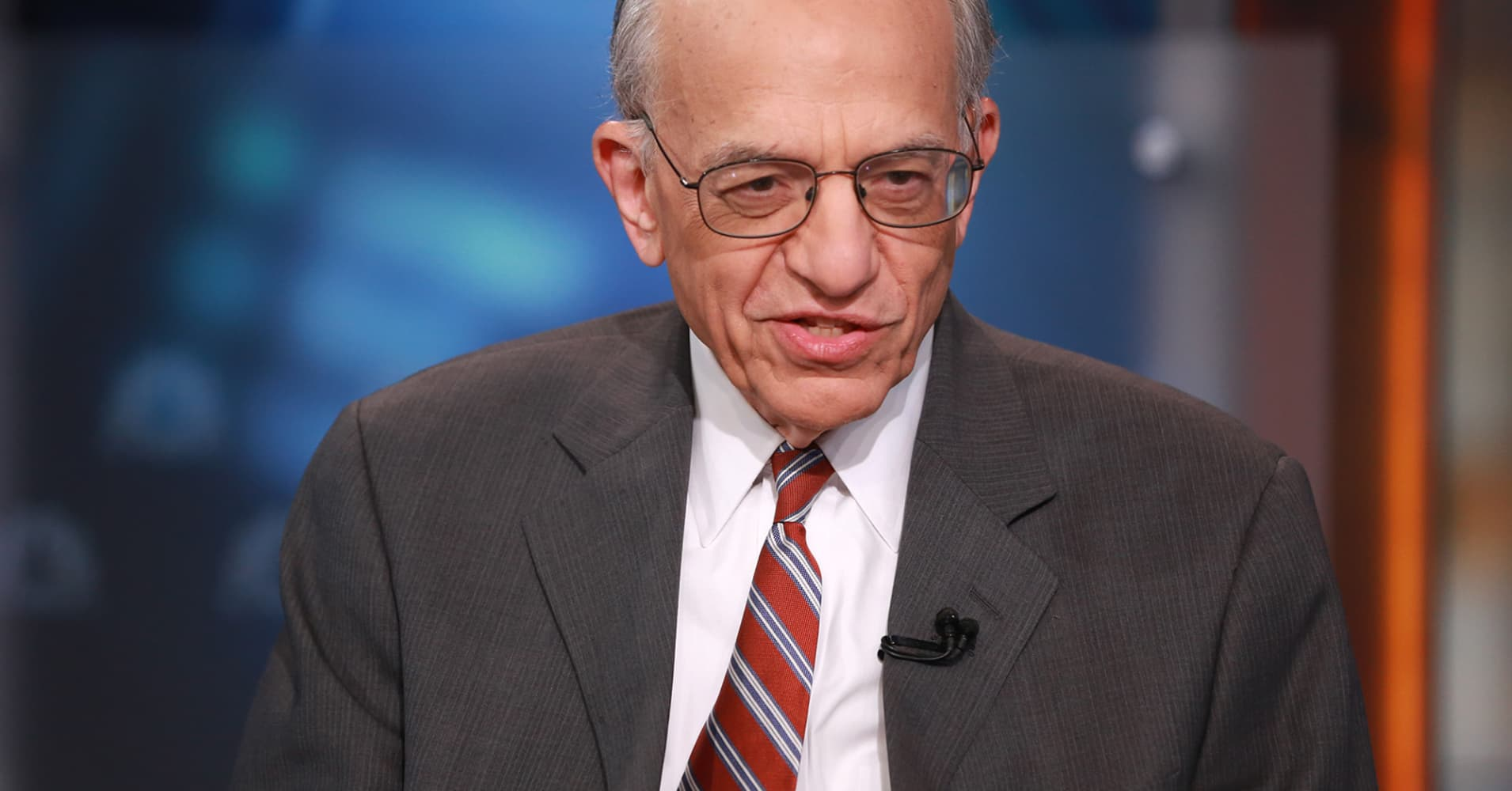 Professor Jeremy Siegel warns the stock market may not see its typical post-midterm surge next year