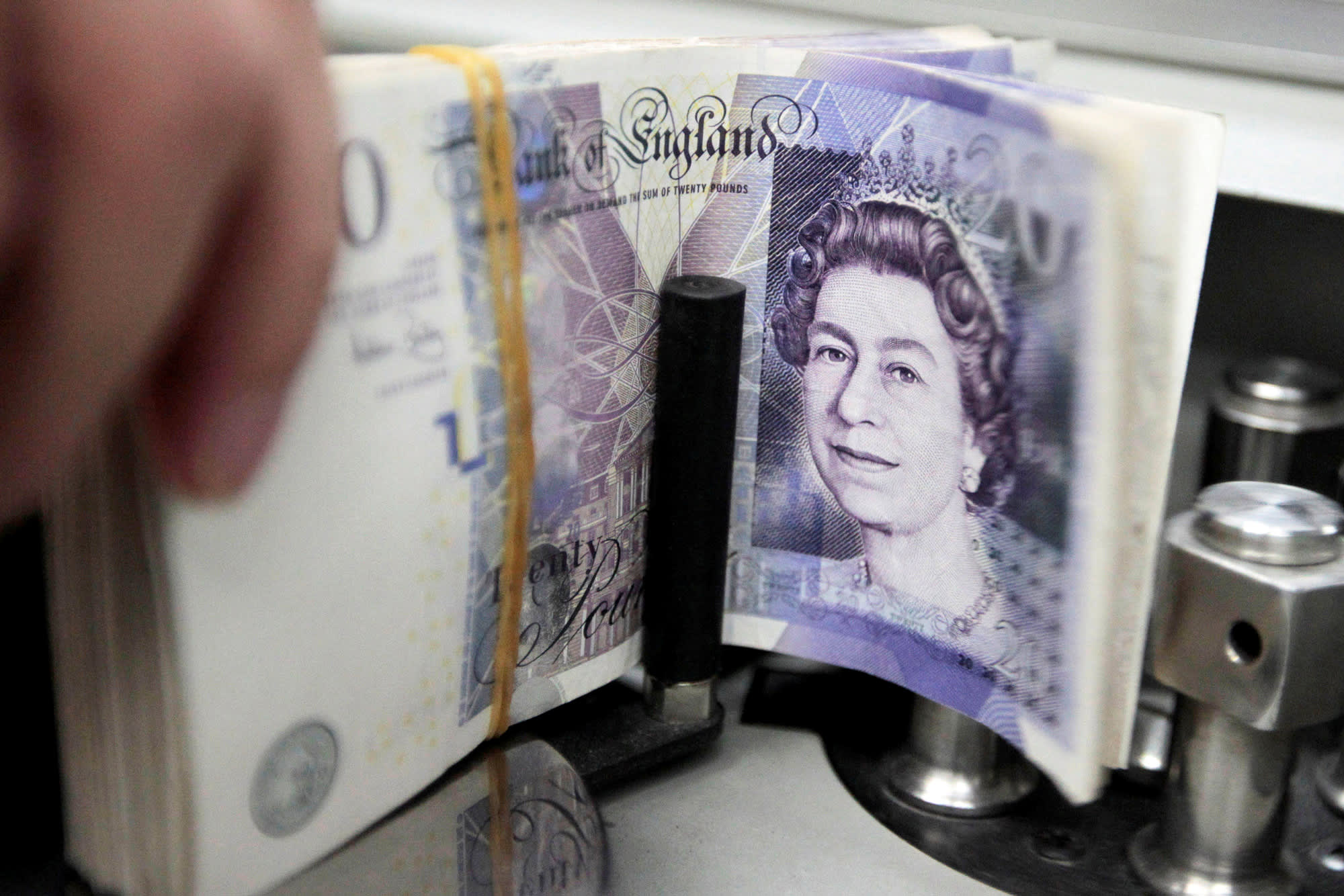 British Pound Spikes After Eu Official Points To Progress In Brexit