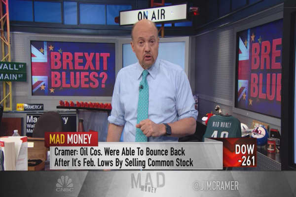 Cramer: Don't buy! Why the mass Brexit sell-off is worth riding out