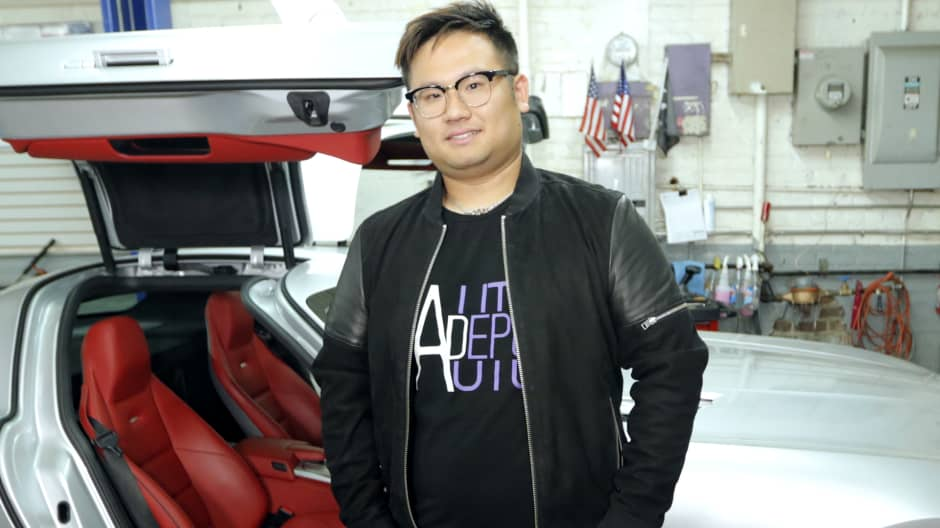 """This college kid became the """"high-end car king"""" for the children of Chinese millionaires"""