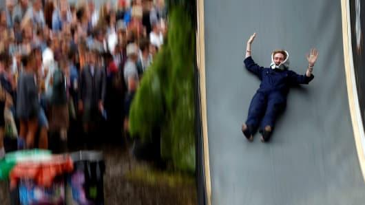 Stocks tank drop slide fall