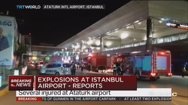2 suspects blew themselves up - Turkish official