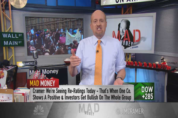 Cramer: Weird stock phenomenon coloring the tape