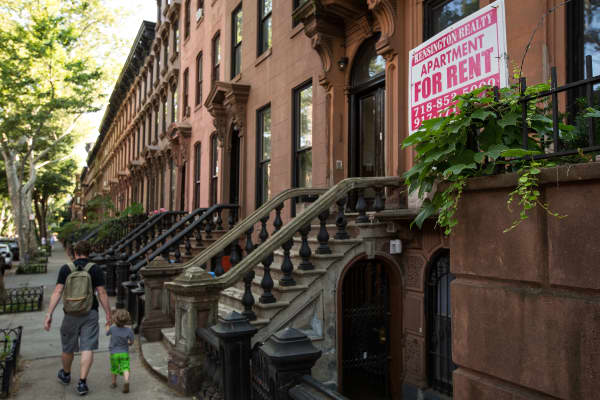 Rent apartment, landlord