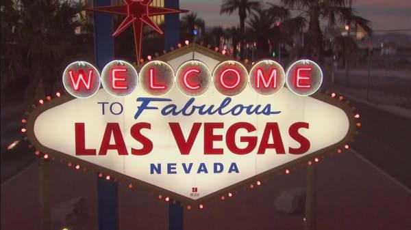 Las Vegas Strip gaming revenue keeps tumbling