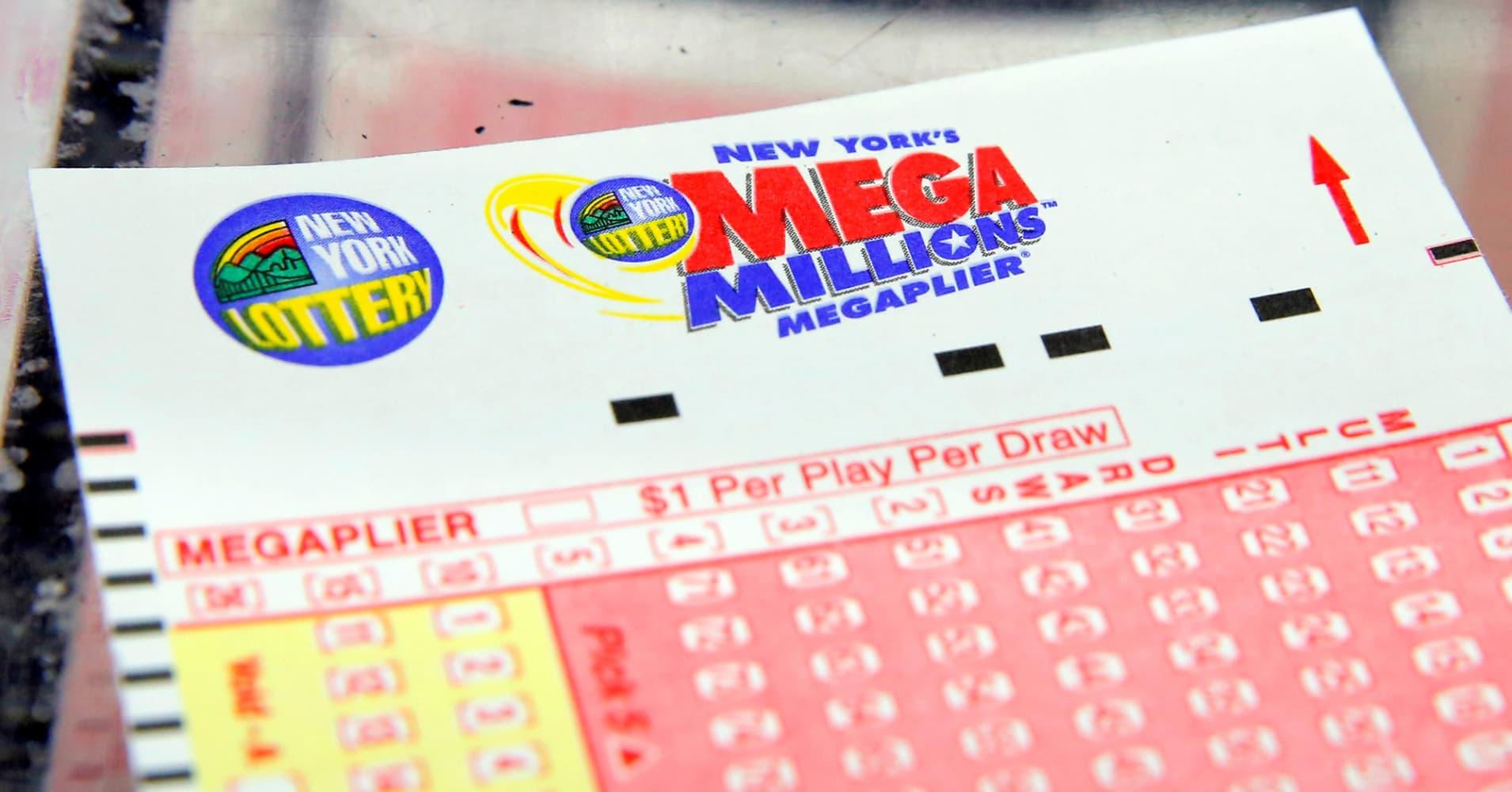 1 winning ticket sold in $450 million Mega Millions drawing