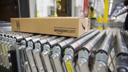 Amazon Fulfillment center, shipping