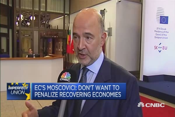 Don't want to penalize economies in recovery: Moscovici
