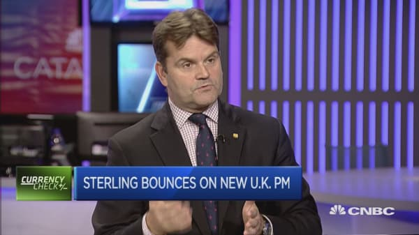 Sterling bounces on new UK PM