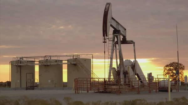 Oil prices jump on Iraqi loading concerns