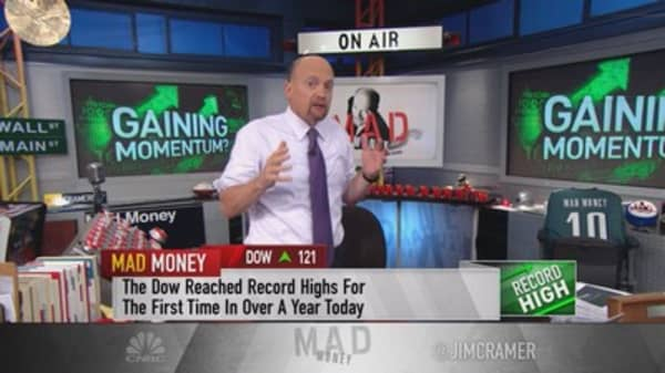 Cramer: Staggering economic improvement numbers no one is talking about