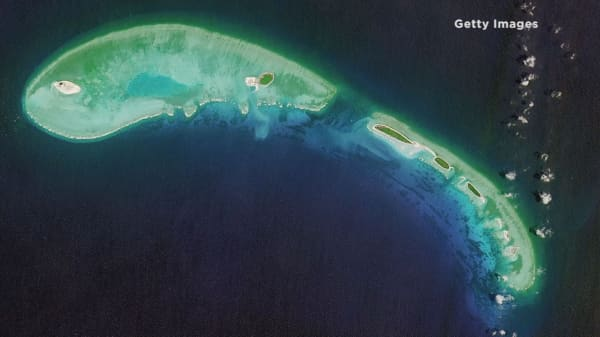 US diplomats try to cut South China Sea tensions
