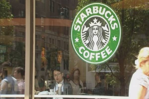 Starbucks to start selling fresh-baked goods at select stores
