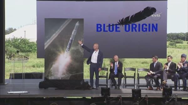 Amazon's Bezos snatches role in new 'Star Trek' movie